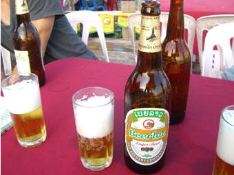 ラオスのビエンチャンに到着 メコン川沿いでラオスのビール
