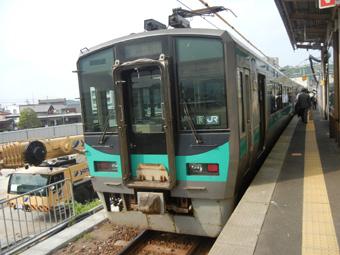 小浜へ 敦賀から1時間に1本しかない電車で1時間