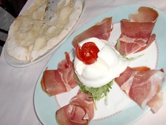 ローマのストライキで乗り物動かず、イタリアンディナーに舌づつみ!