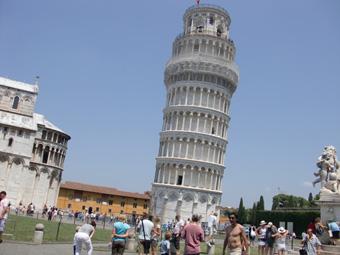 ピサ観光 切符で罰金、ピサの斜塔、キース・ヘリングの壁画