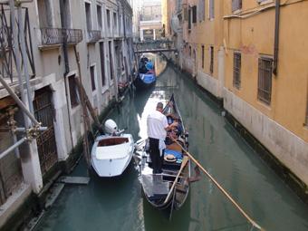 ヴェネツィア観光 ゴンドラ、サンマルコ広場、ドゥカーレ宮殿