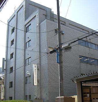 m08102001.jpg