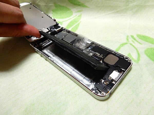 iPhone5のバッテリーを自分で交換