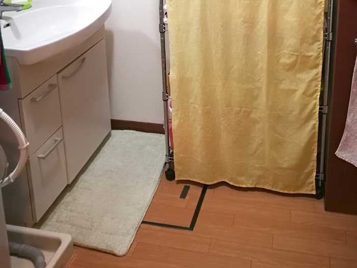 洗面台前バスマット