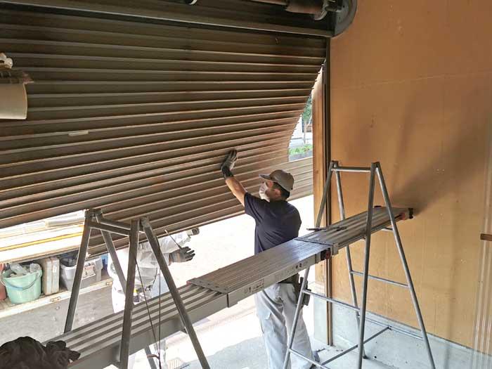 一戸建て車庫用の手動シャッターを交換☆その手順と費用を公開