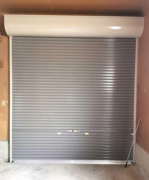 一戸建て車庫用の手動シャッターを交換