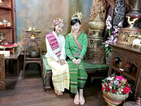 500B(約1700円)で民族衣装を着て撮影 チェンマイの写真館が楽しい!