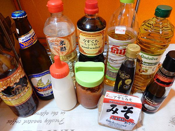 タイで自炊するのに使っている調味料類を紹介します