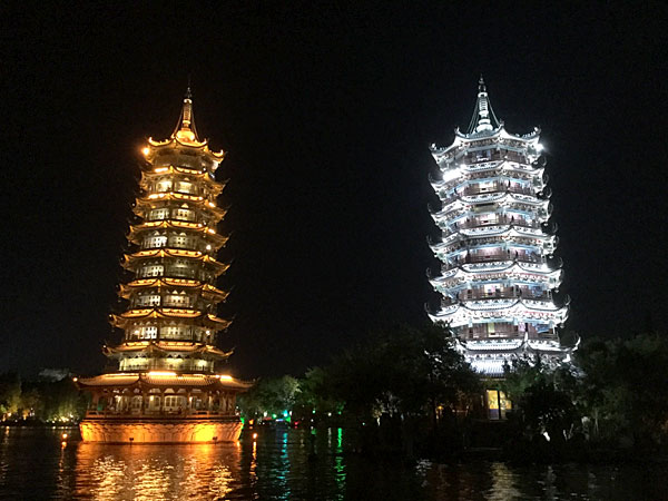 深センから鉄道で桂林へ ライトアップで桂林は夜が楽しい!