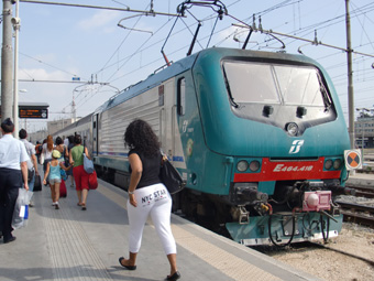 さよならローマ 電車でフィレンツェへ移動