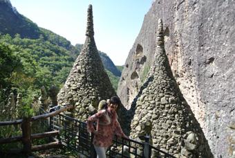 全州からバスで馬耳山(マイサン)へ 石を積み上げた塔が面白い!