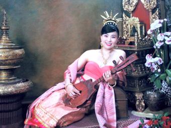 チェンマイ1 タイの伝統衣装を着て写真撮影