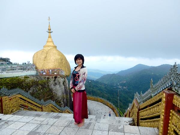 チャイティヨー、ゴールデンロック観光 ヤンゴンからバスで日帰り