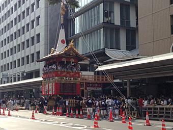 京都観光2 ゲストハウス移動、安井金比羅宮、京きなな、まるき